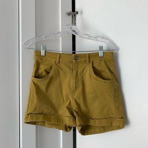 super cute highwaisted h&m shorts